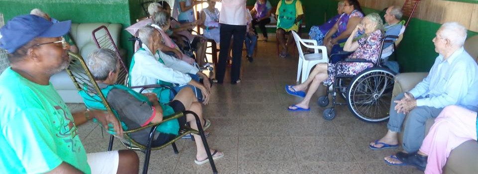 CRAS de Canápolis promove atividade para idosos